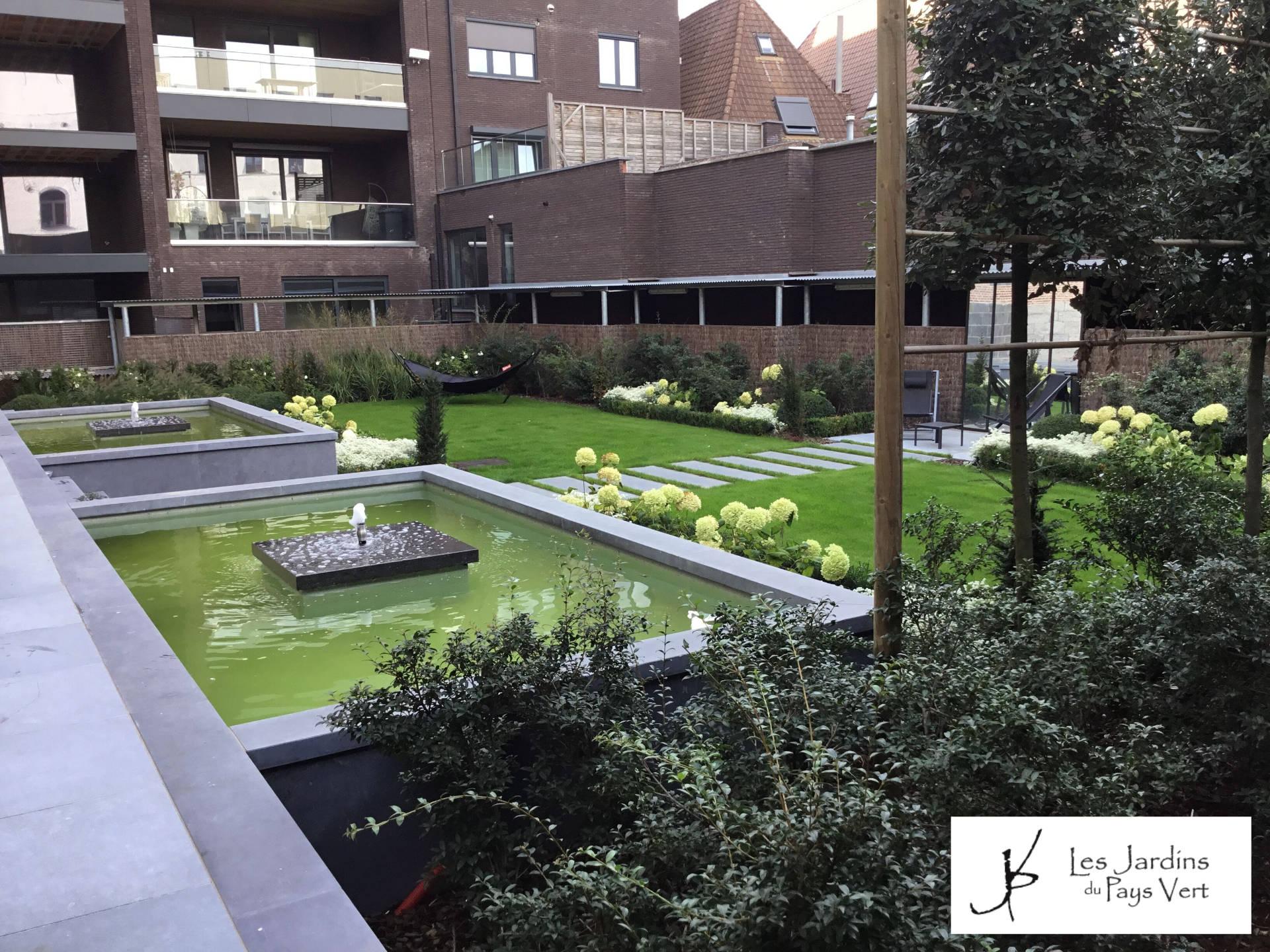 Jardin contemporain à l'Eglise Sainte Marguerite Tournai